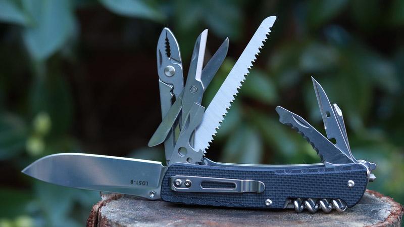 Ruike Trekker LD-51 Review | Knife Informer